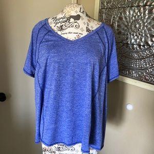 Livi Active Blue T Shirt Size 26/28.